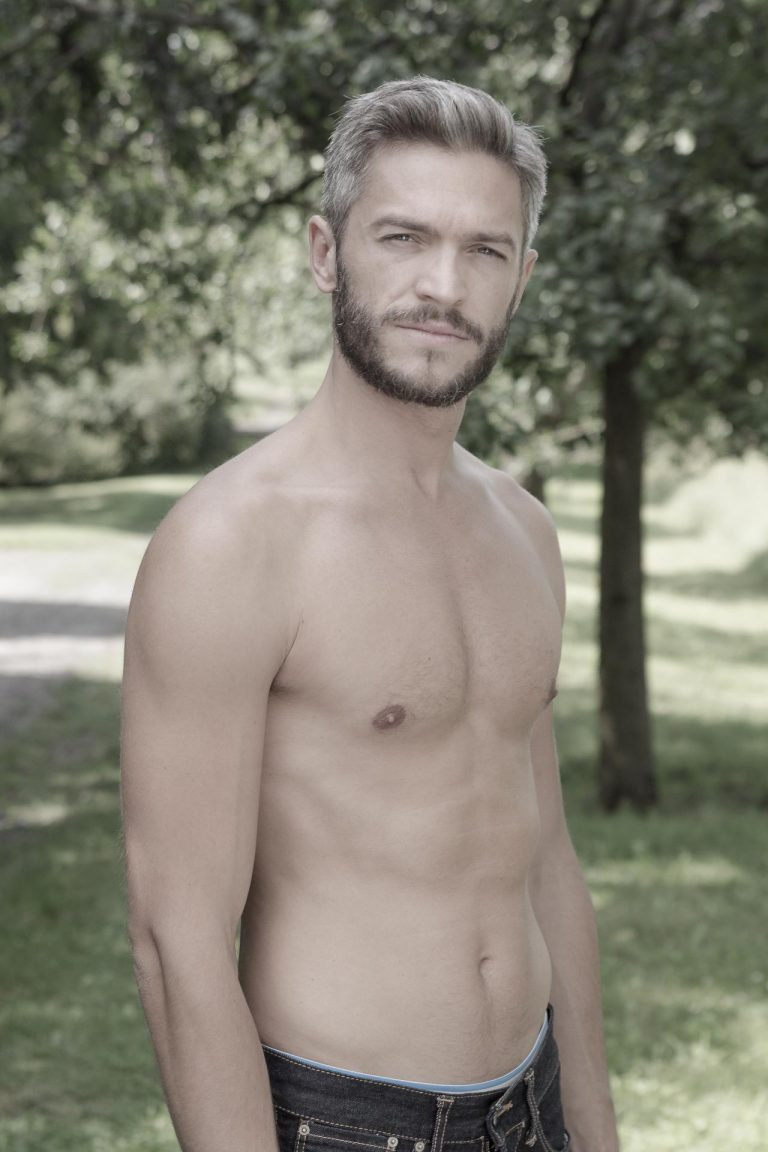 sedcard-shooting-outdoor-sexy-fotos-male-berlinblick-gay-hot